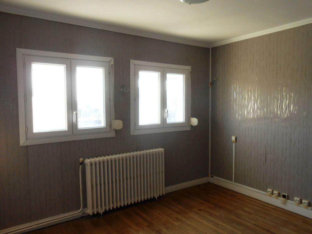 Maison à vendre 5 130m2 à Varennes-Vauzelles vignette-10