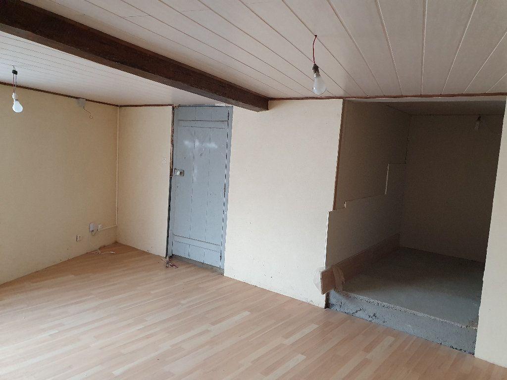 Maison à vendre 4 120m2 à Saint-Pierre-le-Moûtier vignette-6