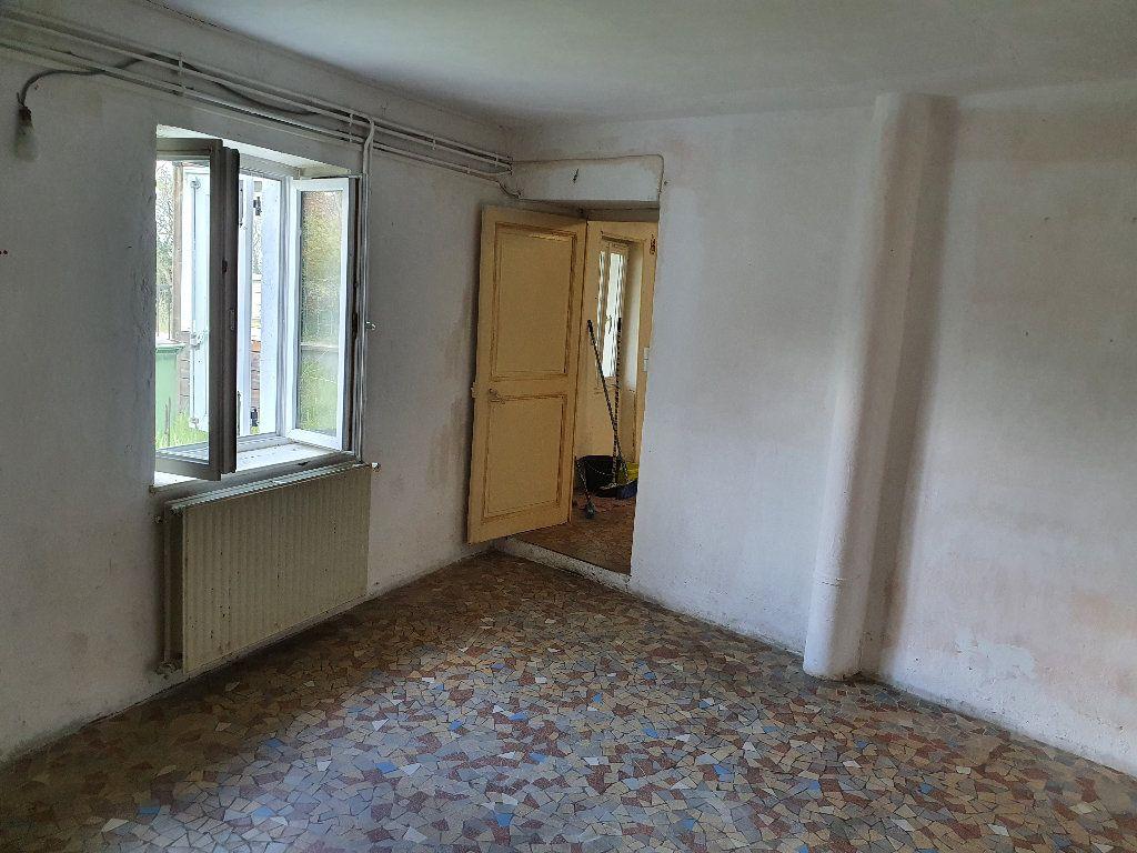 Maison à vendre 4 120m2 à Saint-Pierre-le-Moûtier vignette-8