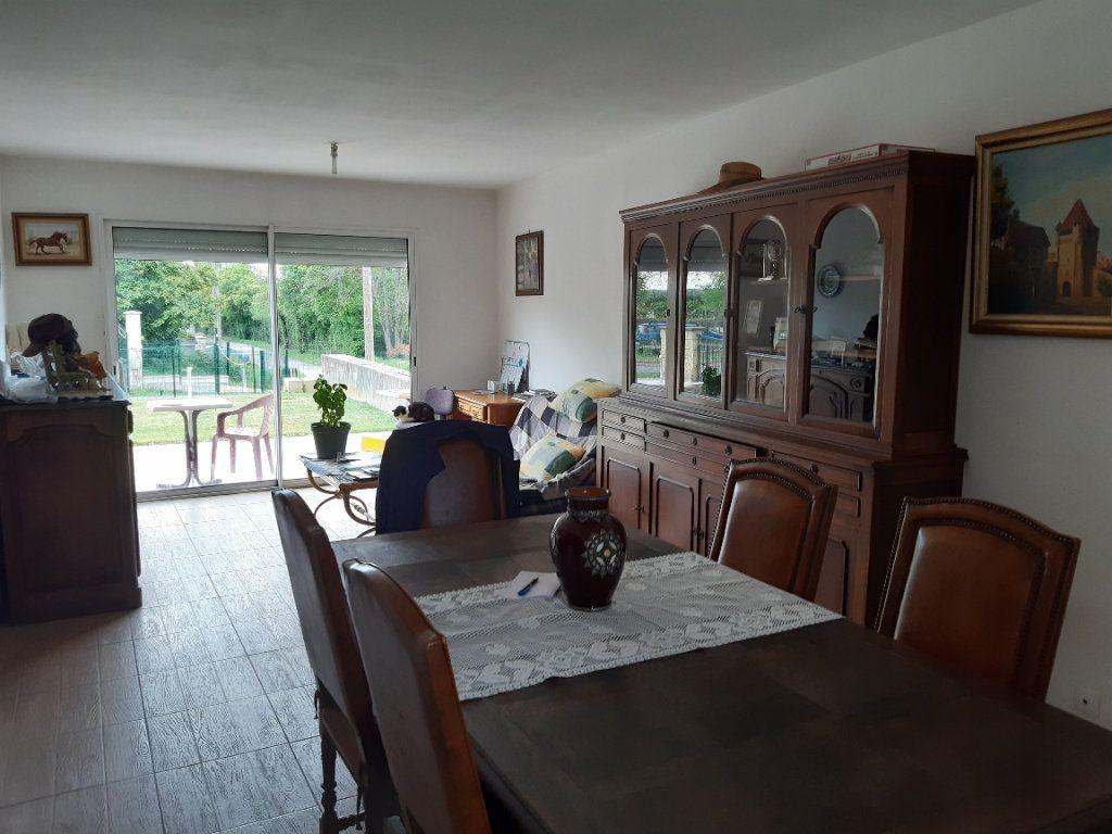 Maison à vendre 3 85m2 à La Guerche-sur-l'Aubois vignette-3