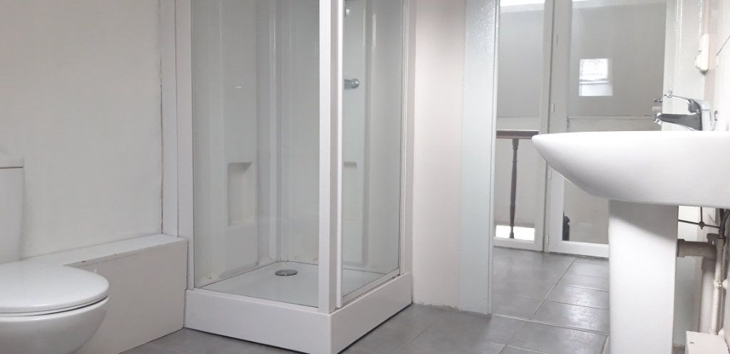 Appartement à louer 3 71.8m2 à Cercy-la-Tour vignette-2