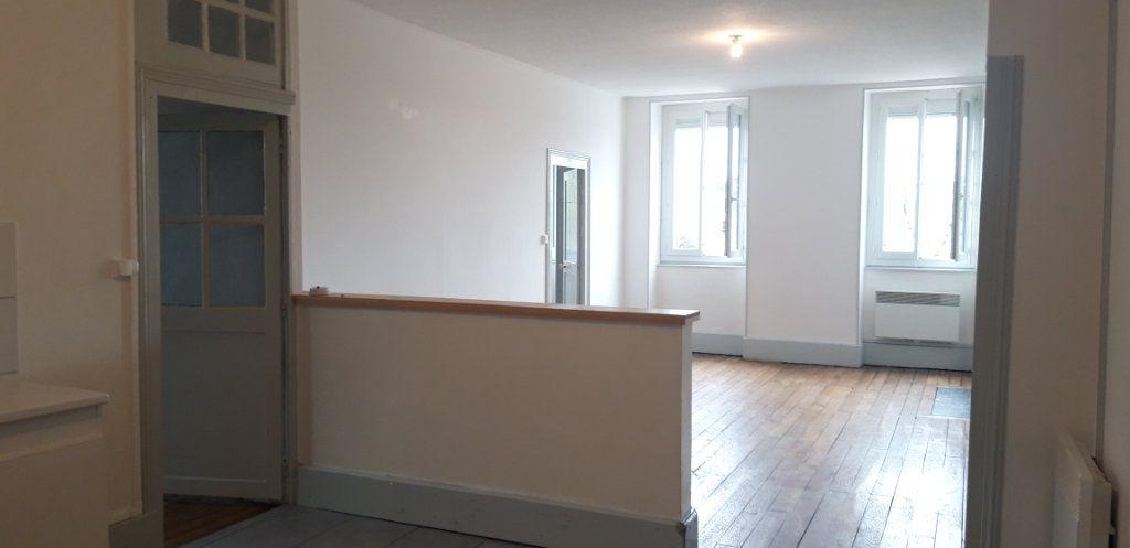 Appartement à louer 3 71.8m2 à Cercy-la-Tour vignette-5