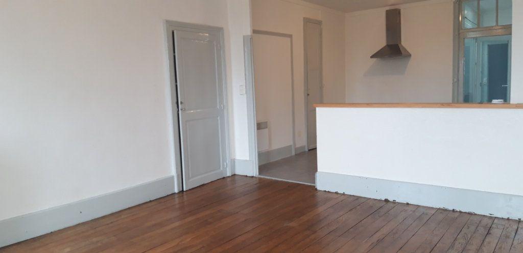 Appartement à louer 3 71.8m2 à Cercy-la-Tour vignette-7