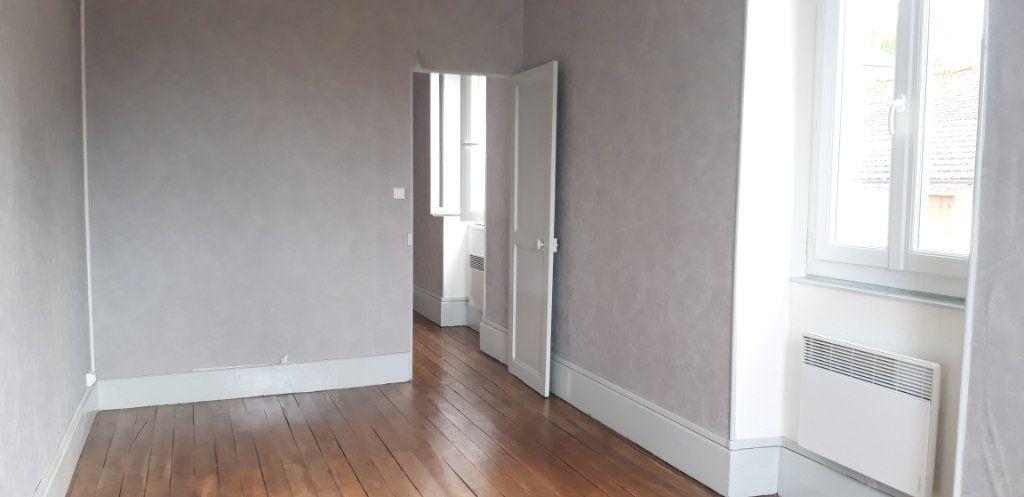 Appartement à louer 3 71.8m2 à Cercy-la-Tour vignette-9