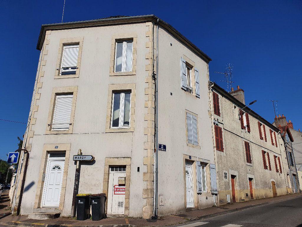 Immeuble à vendre 0 120m2 à Nevers vignette-1