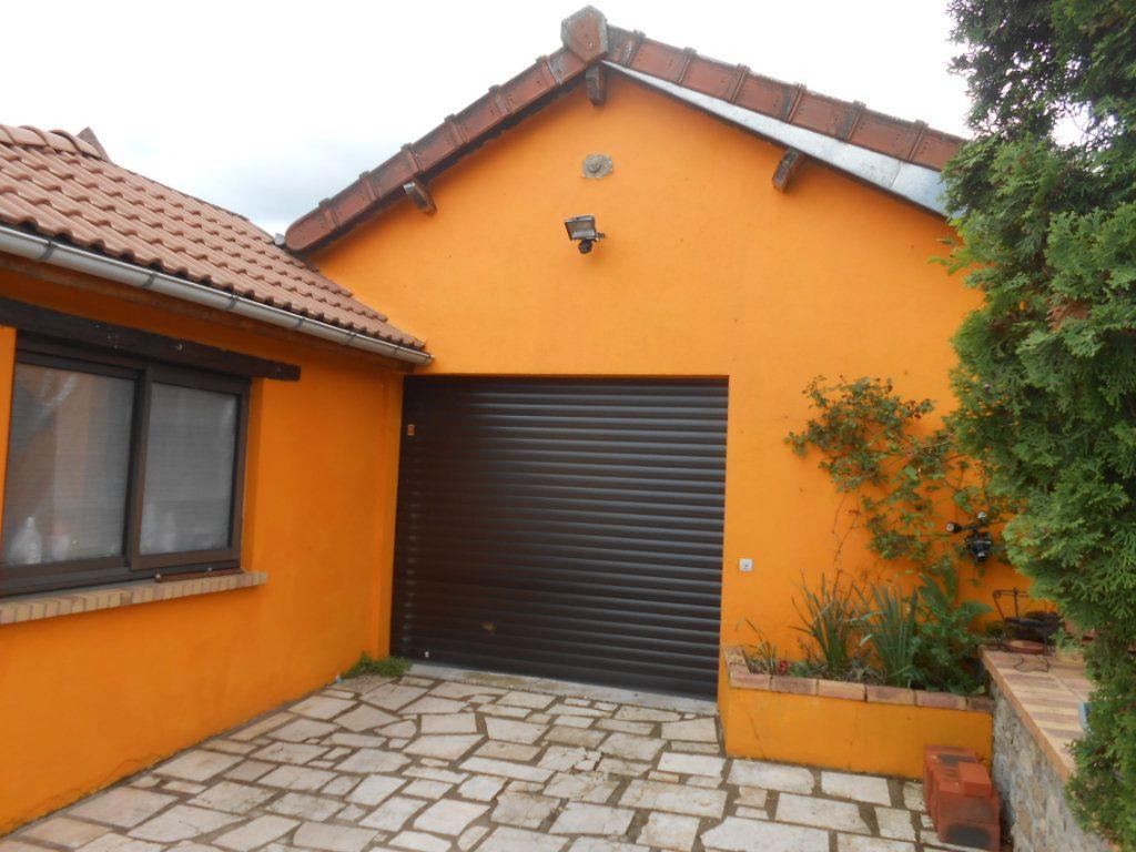 Maison à vendre 5 115m2 à Saint-Pierre-le-Moûtier vignette-2