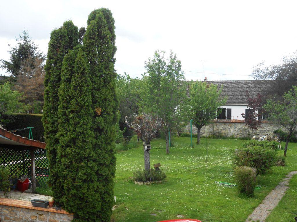 Maison à vendre 5 115m2 à Saint-Pierre-le-Moûtier vignette-3