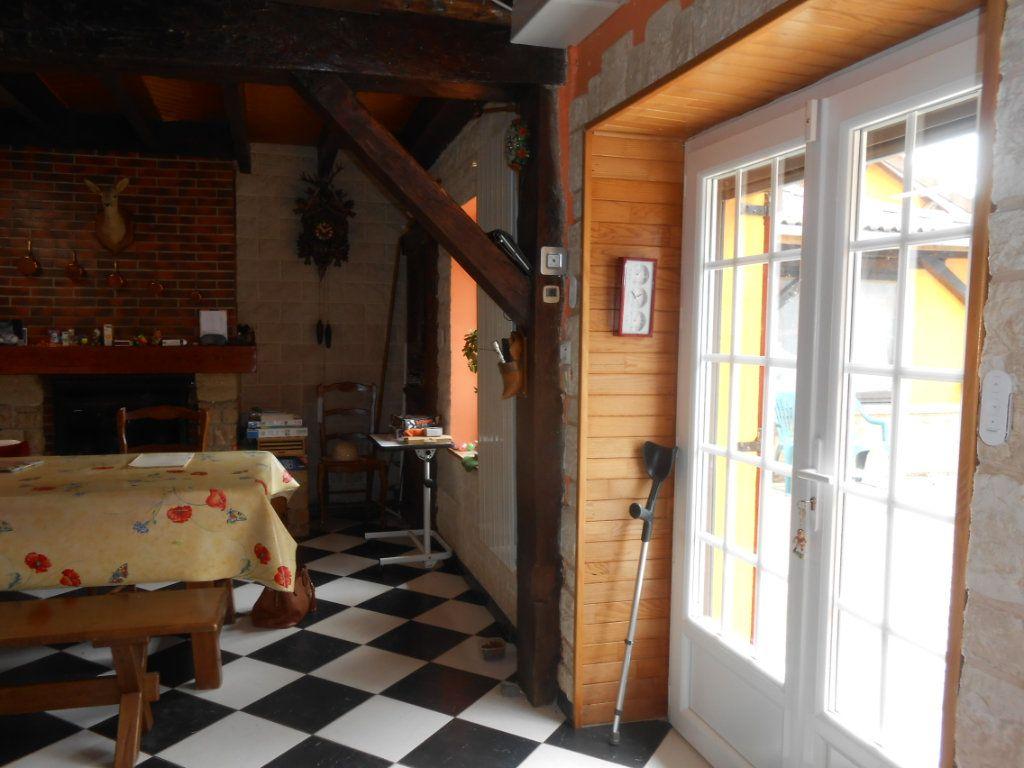 Maison à vendre 5 115m2 à Saint-Pierre-le-Moûtier vignette-6