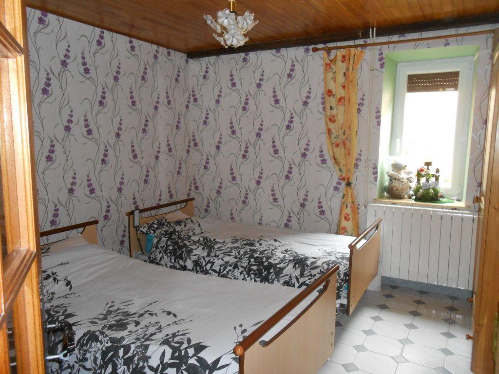 Maison à vendre 5 115m2 à Saint-Pierre-le-Moûtier vignette-8