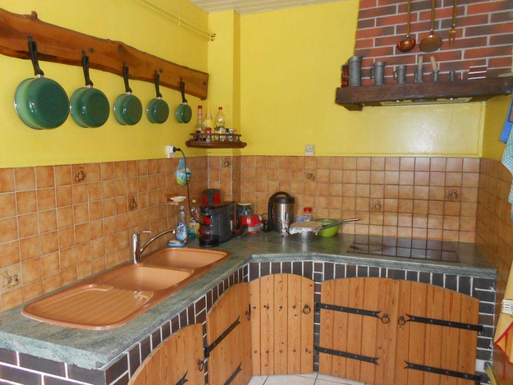 Maison à vendre 5 115m2 à Saint-Pierre-le-Moûtier vignette-9
