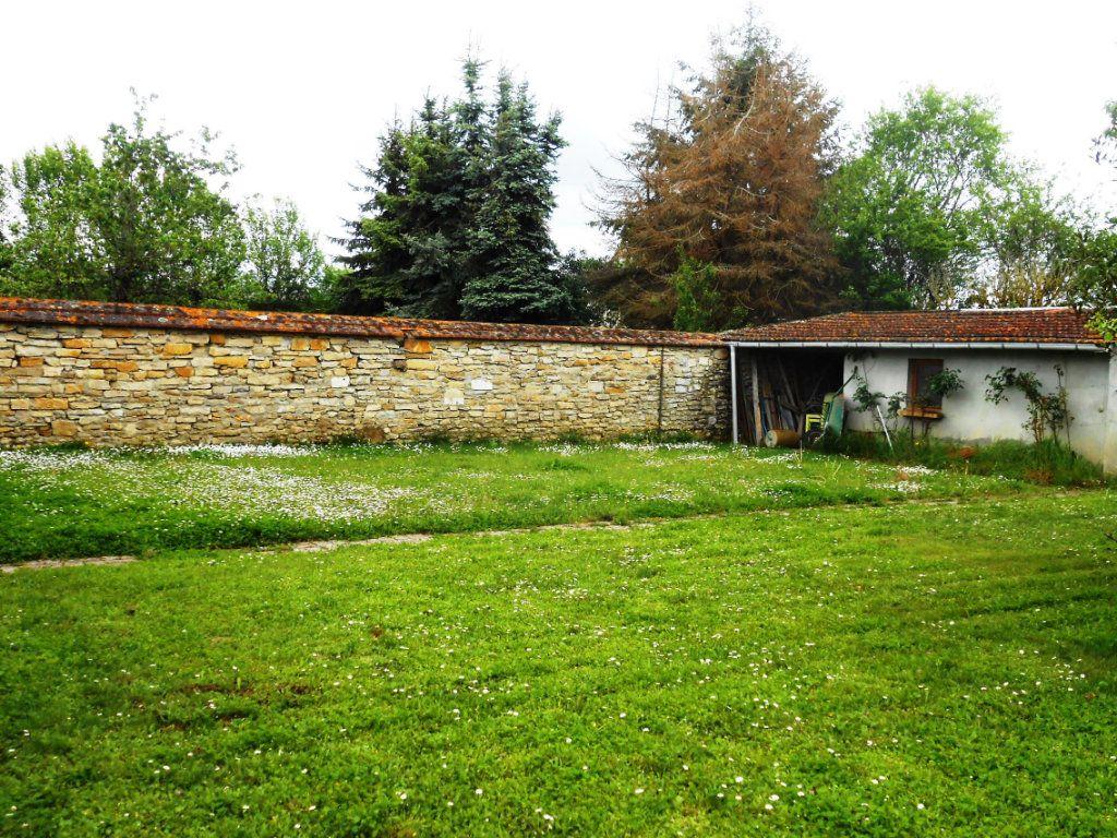 Maison à vendre 5 115m2 à Saint-Pierre-le-Moûtier vignette-17