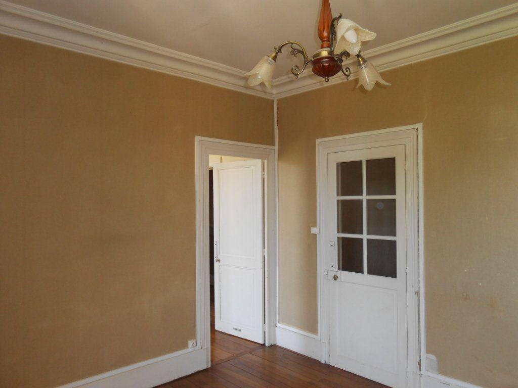 Appartement à vendre 4 91m2 à Nevers vignette-1