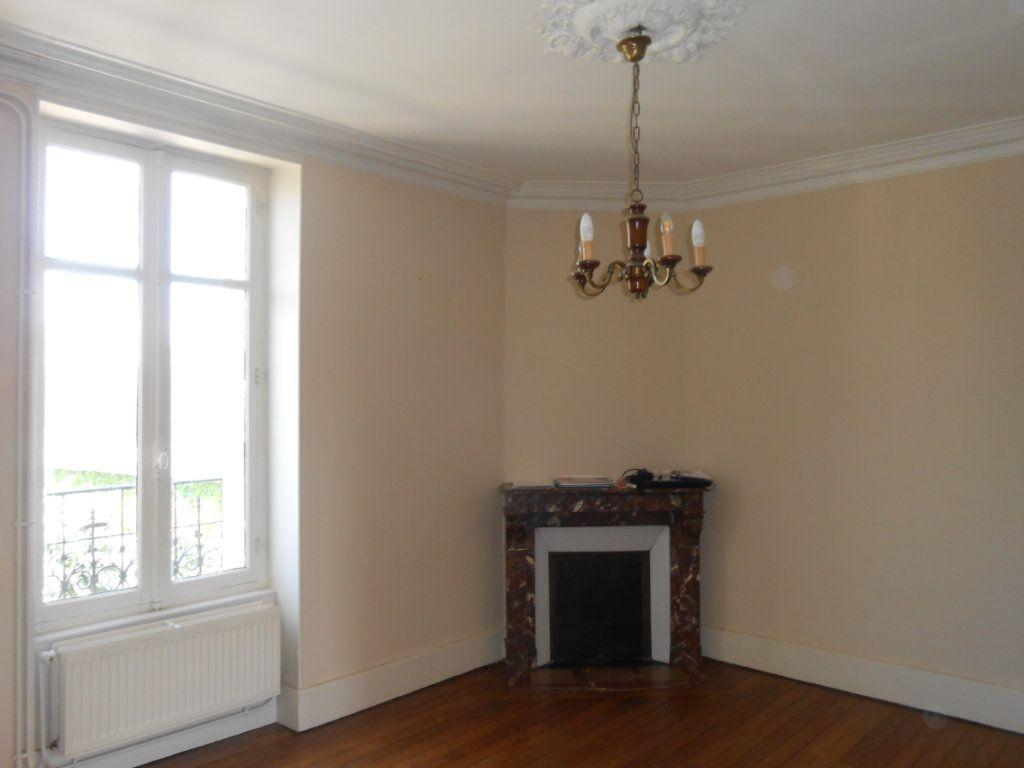 Appartement à vendre 4 91m2 à Nevers vignette-3