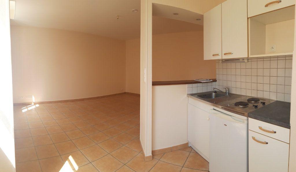 Appartement à louer 1 33m2 à Decize vignette-2