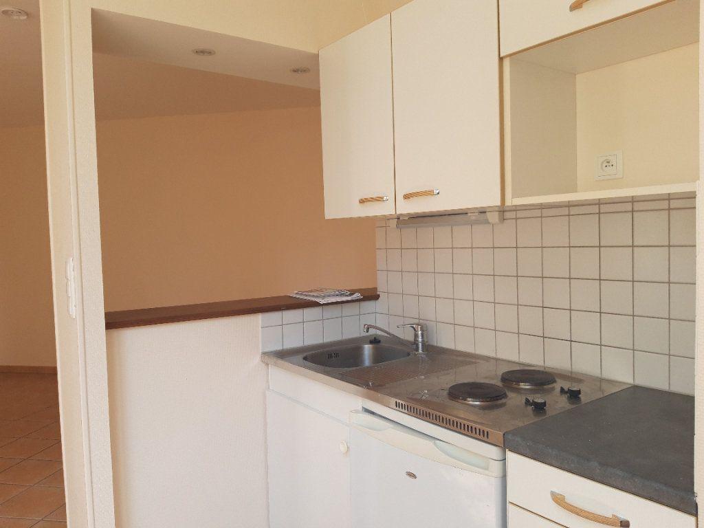 Appartement à louer 1 33m2 à Decize vignette-6