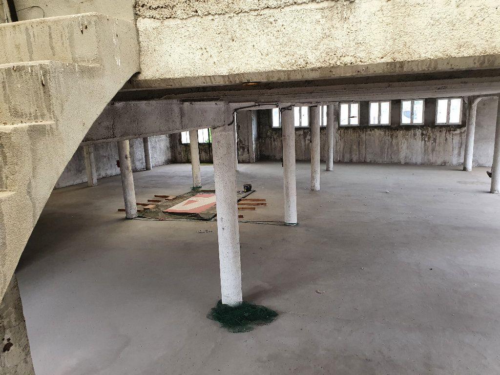 Appartement à vendre 2 736m2 à Nevers vignette-4