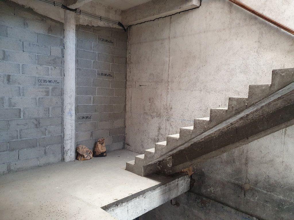 Appartement à vendre 2 736m2 à Nevers vignette-5