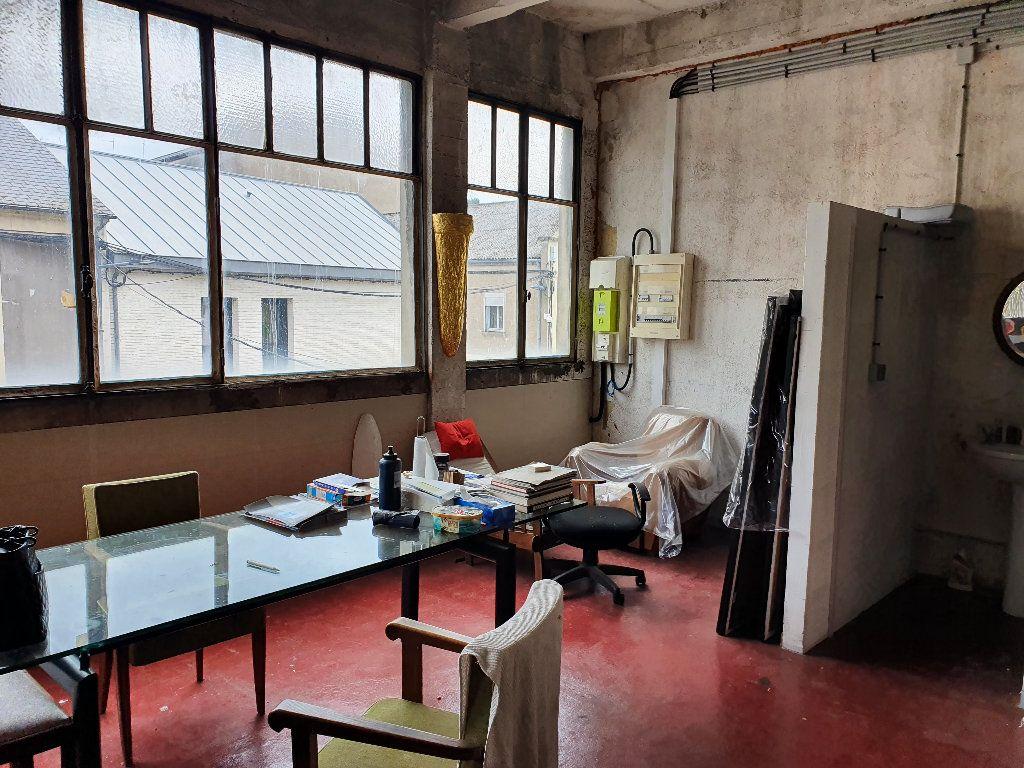 Appartement à vendre 2 736m2 à Nevers vignette-6