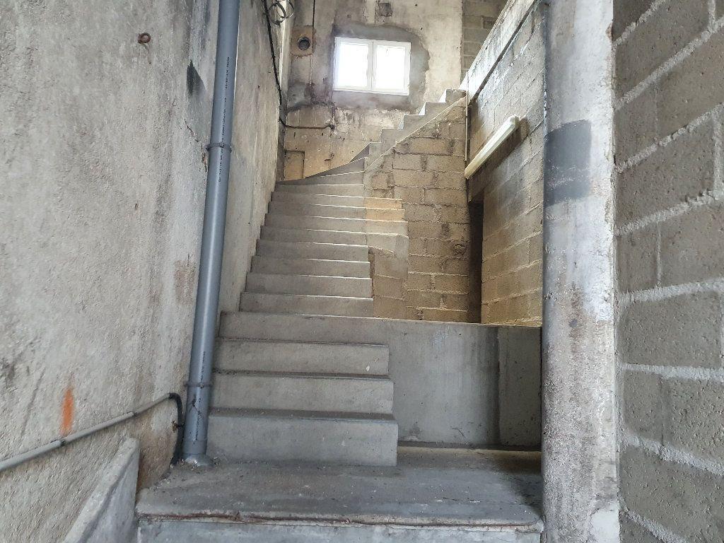 Appartement à vendre 2 736m2 à Nevers vignette-8