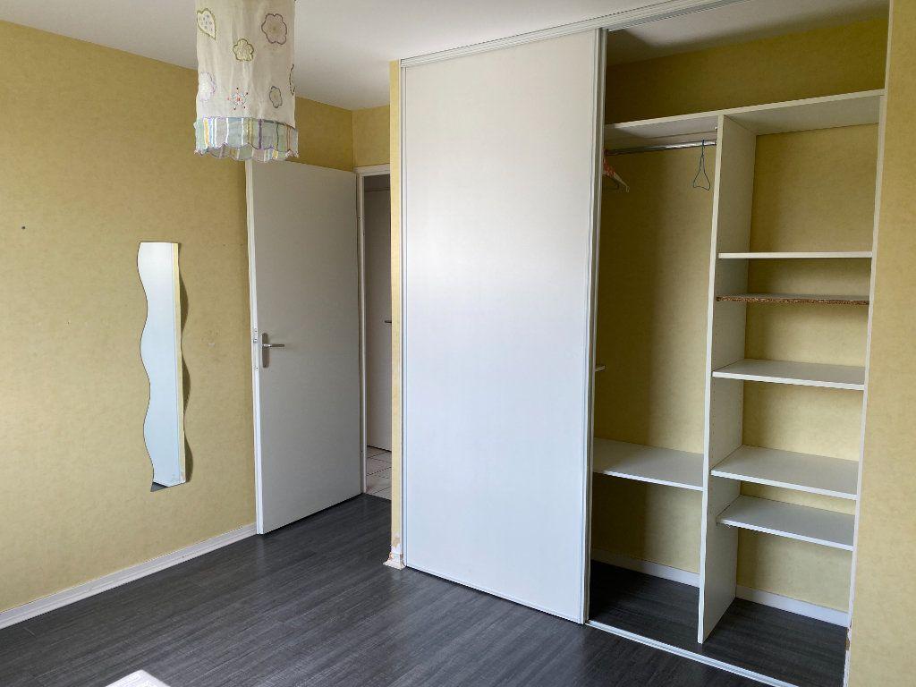 Maison à louer 4 76.5m2 à Saint-Éloi vignette-7