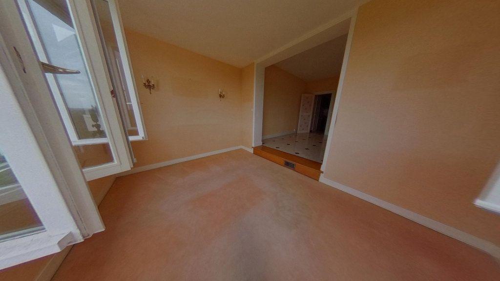 Maison à louer 6 158.2m2 à Nevers vignette-11