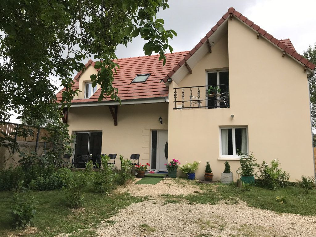 Maison à vendre 6 217m2 à Châteauroux vignette-1