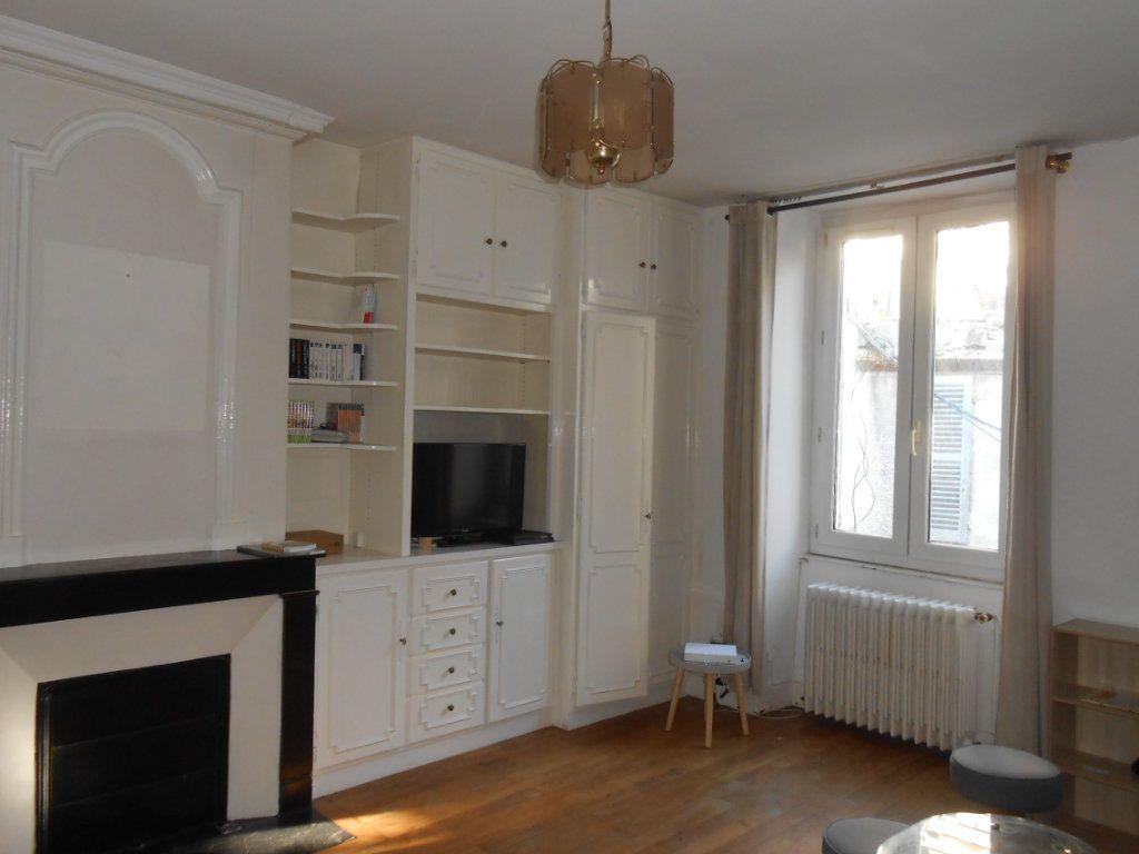Immeuble à vendre 0 130m2 à Nevers vignette-1