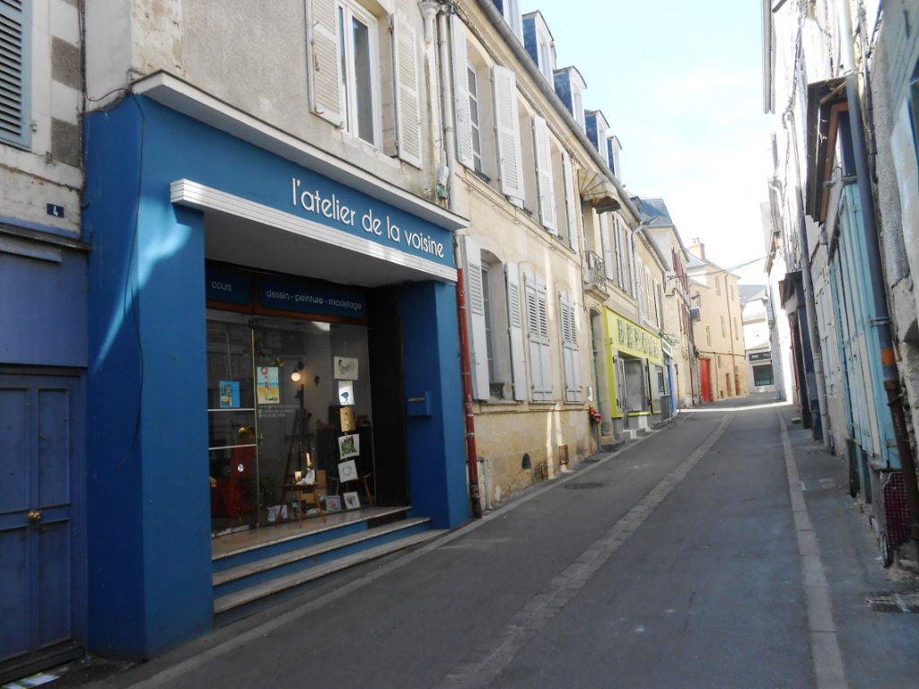 Immeuble à vendre 0 130m2 à Nevers vignette-3
