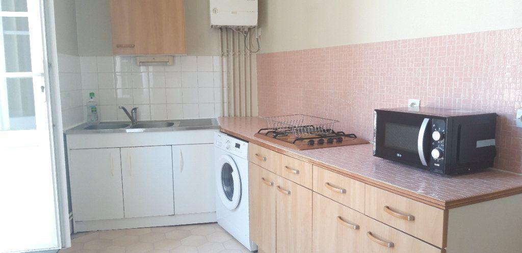 Appartement à louer 1 34m2 à Nevers vignette-1