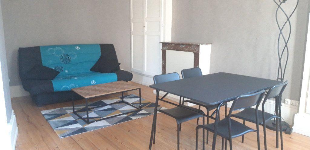 Appartement à louer 1 34m2 à Nevers vignette-2