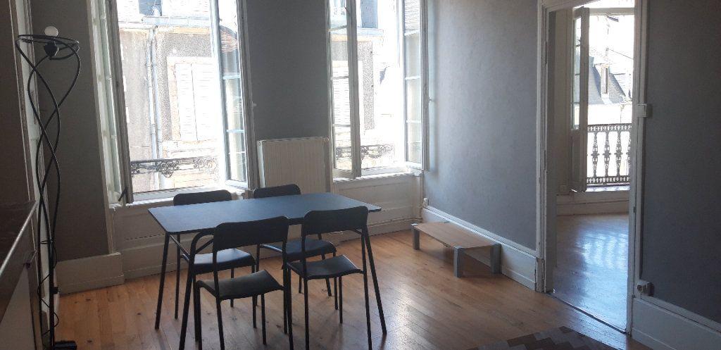 Appartement à louer 1 34m2 à Nevers vignette-4