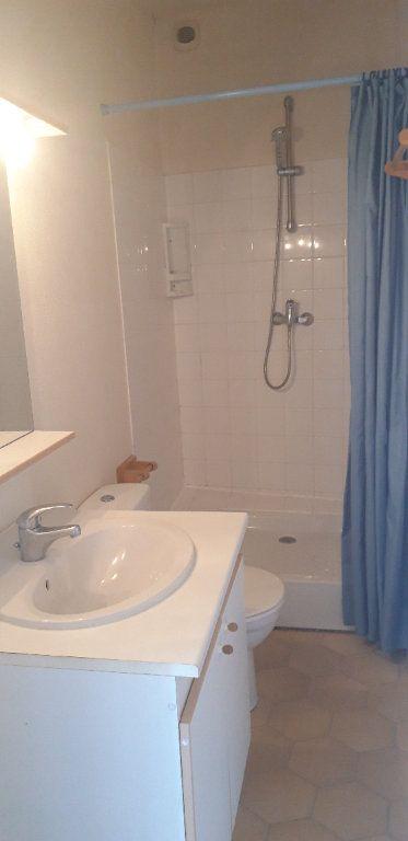Appartement à louer 1 34m2 à Nevers vignette-5