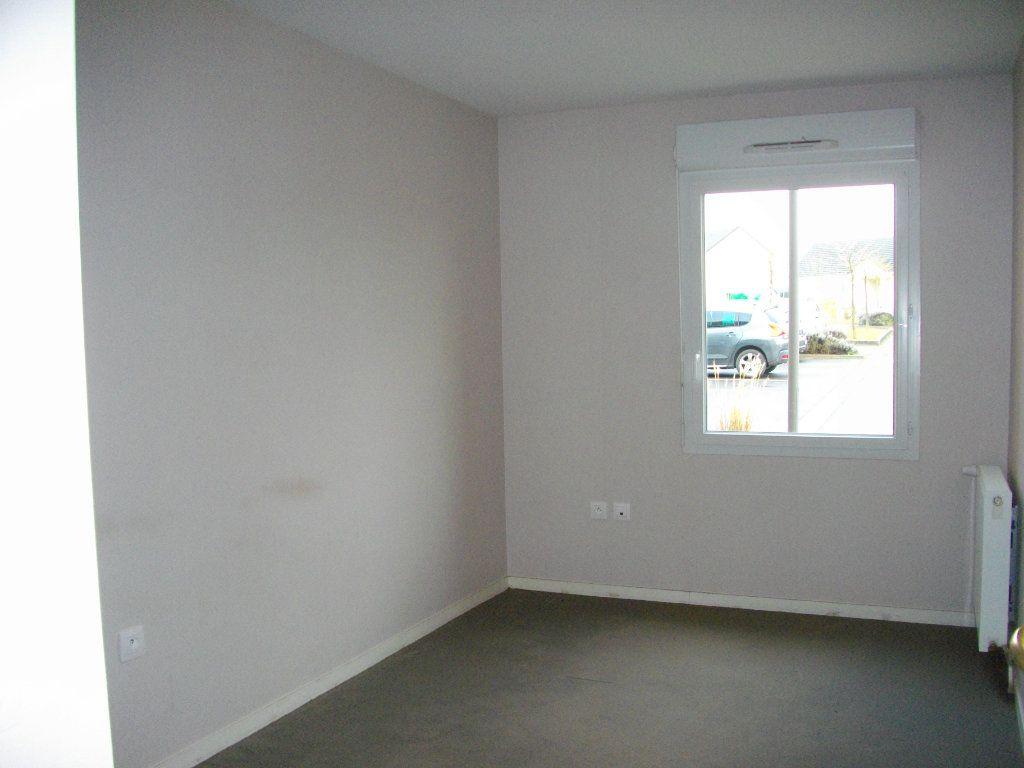 Appartement à louer 3 65.23m2 à Bourges vignette-5