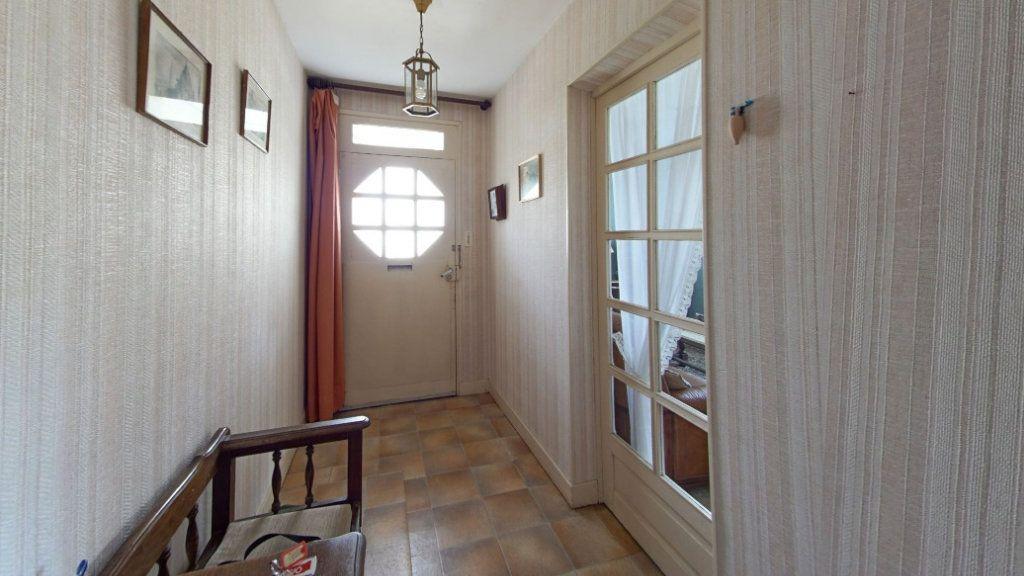 Maison à vendre 6 132m2 à Saint-Sulpice-Laurière vignette-5