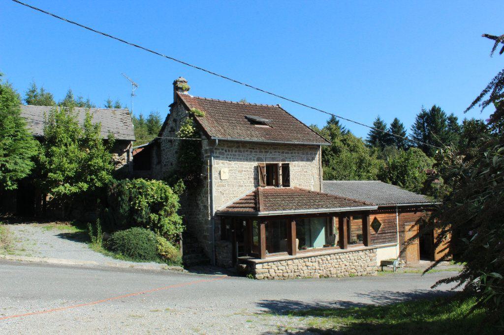 Maison à vendre 6 144m2 à Châtelus-le-Marcheix vignette-1