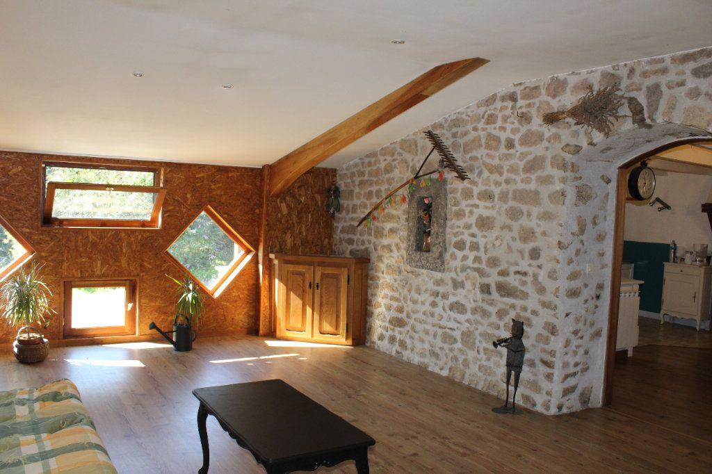 Maison à vendre 6 144m2 à Châtelus-le-Marcheix vignette-10