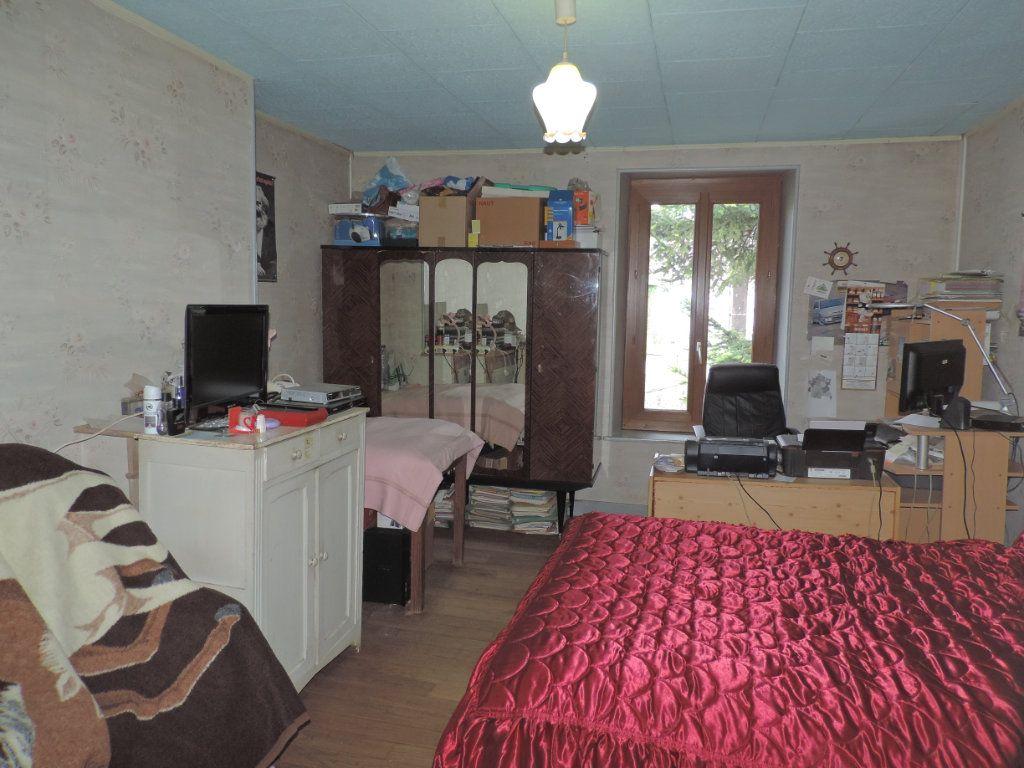 Maison à vendre 7 230m2 à Saint-Laurent-les-Églises vignette-9