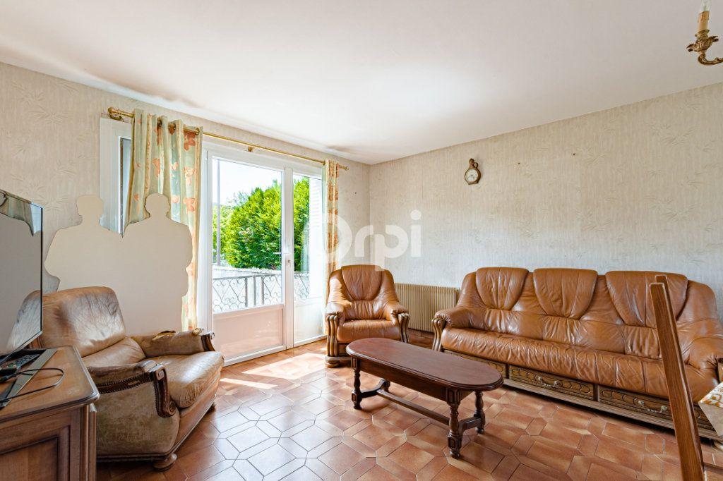 Maison à vendre 7 140m2 à Saint-Sulpice-Laurière vignette-6