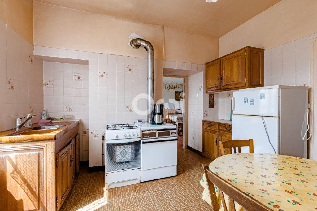 Maison à vendre 7 140m2 à Saint-Sulpice-Laurière vignette-8