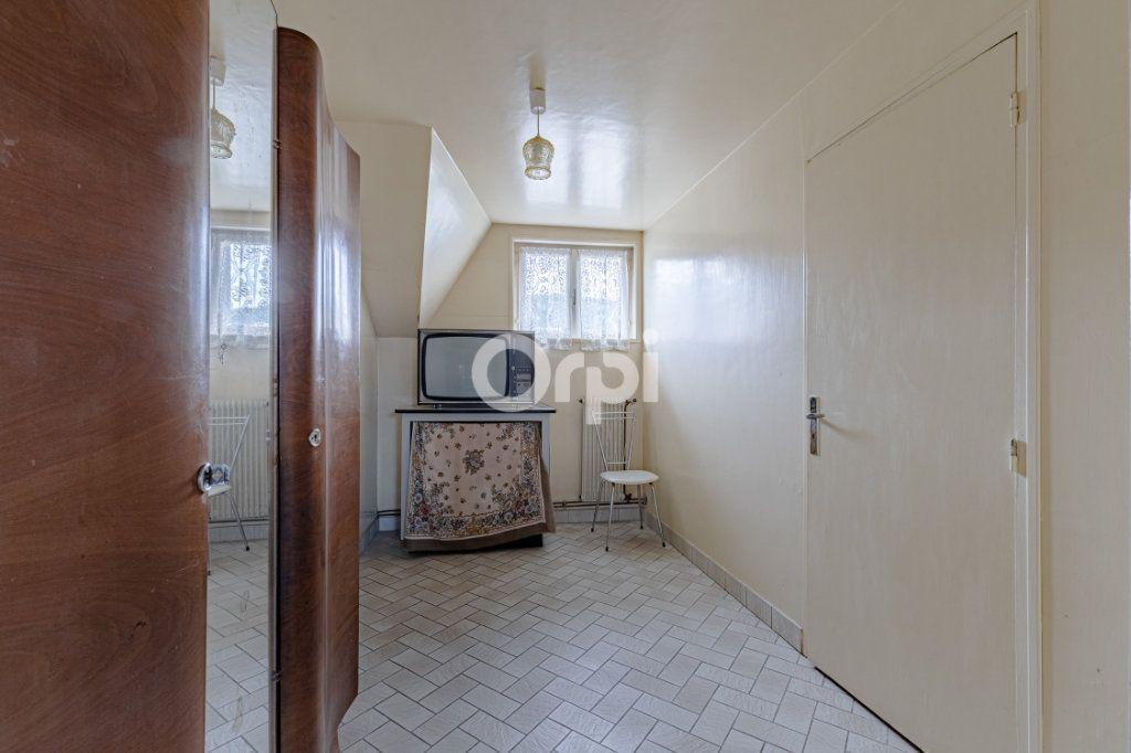 Maison à vendre 7 140m2 à Saint-Sulpice-Laurière vignette-16