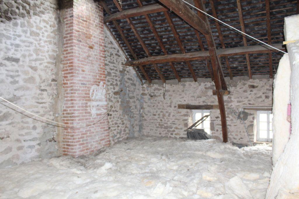 Maison à vendre 9 147m2 à Bersac-sur-Rivalier vignette-9