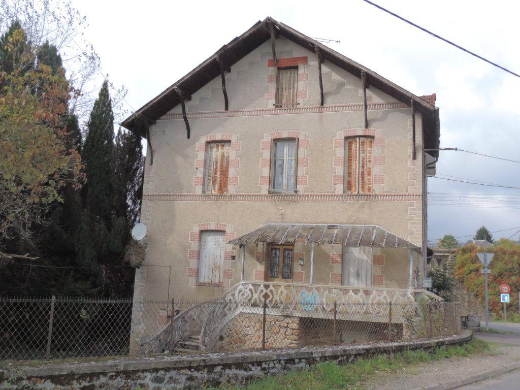 Maison à vendre 5 86m2 à La Jonchère-Saint-Maurice vignette-1