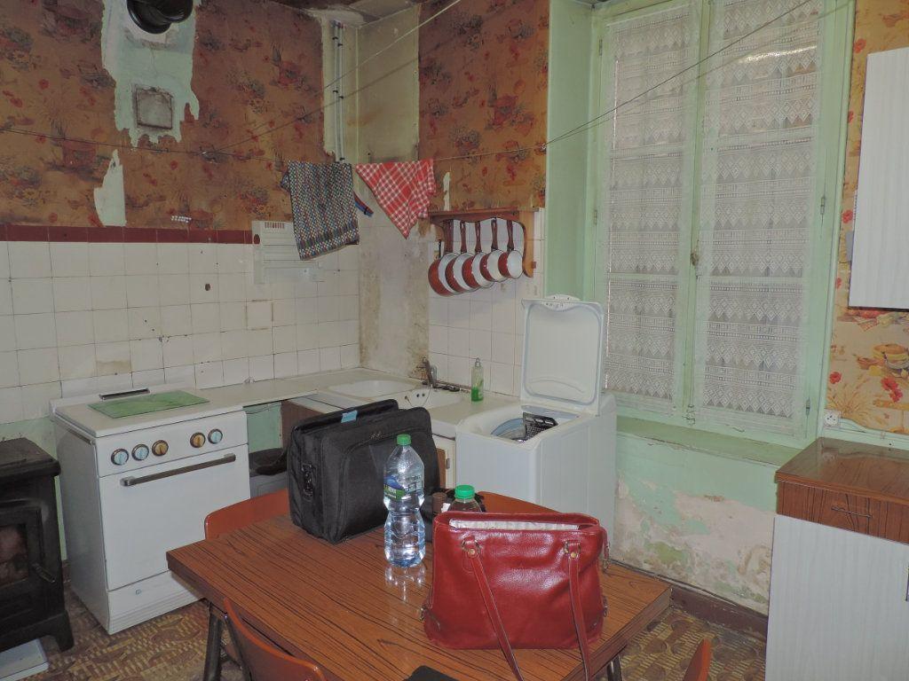 Maison à vendre 5 86m2 à La Jonchère-Saint-Maurice vignette-2