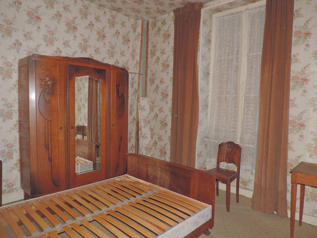 Maison à vendre 5 86m2 à La Jonchère-Saint-Maurice vignette-3