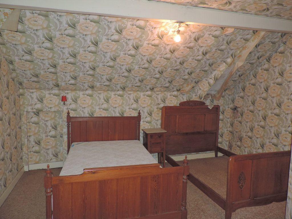 Maison à vendre 5 86m2 à La Jonchère-Saint-Maurice vignette-5