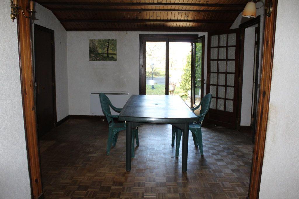 Maison à vendre 4 50m2 à Bessines-sur-Gartempe vignette-3
