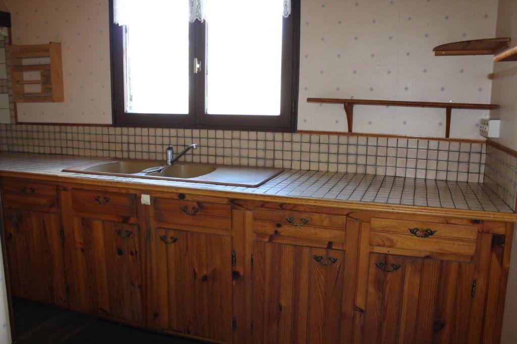 Maison à vendre 4 50m2 à Bessines-sur-Gartempe vignette-4