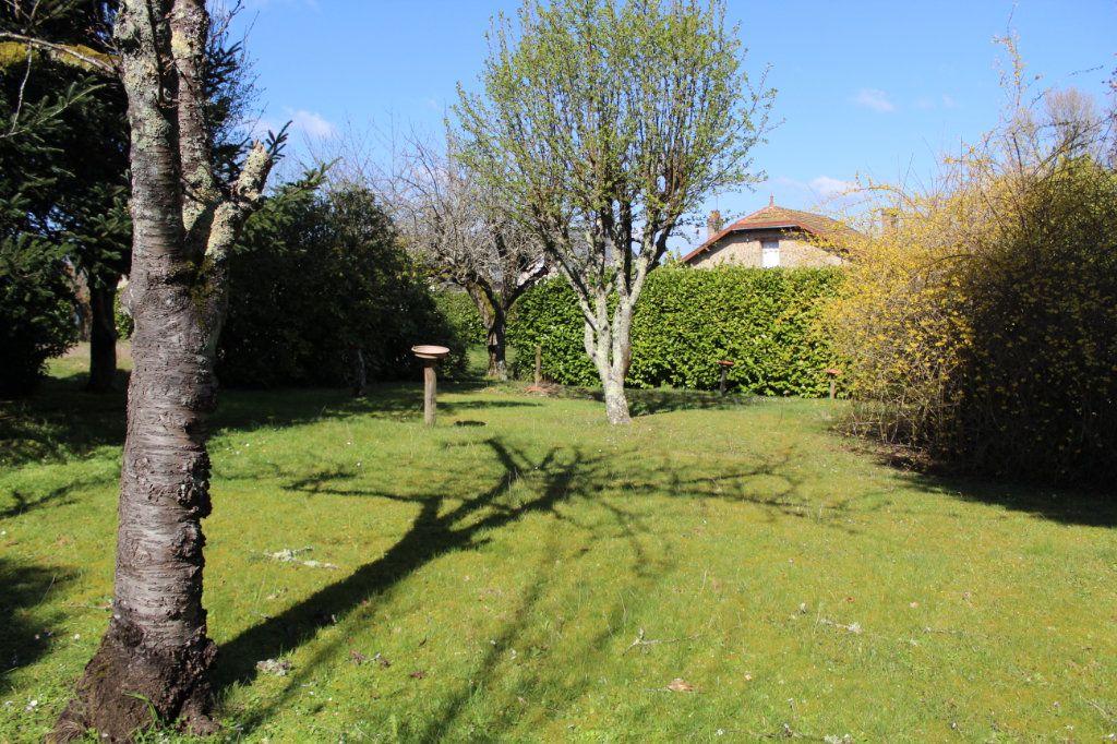 Maison à vendre 4 50m2 à Bessines-sur-Gartempe vignette-14
