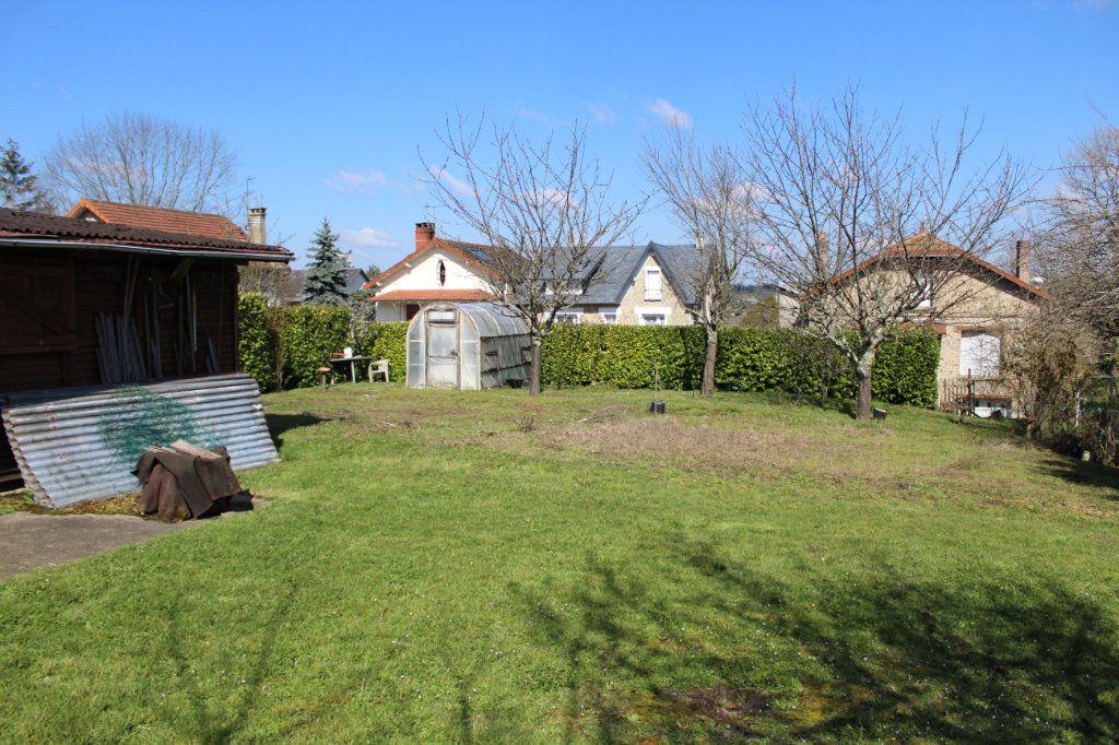 Maison à vendre 4 50m2 à Bessines-sur-Gartempe vignette-16