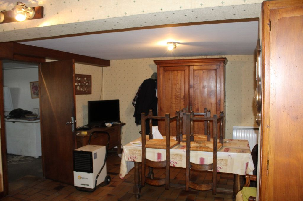 Maison à vendre 6 148.21m2 à Saint-Sulpice-Laurière vignette-6
